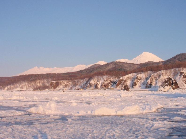 知床流氷ウォークとフレペの滝スノーシュー